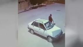 پرواز موتور سوار ایرانی به خانه همسایه!