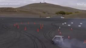 خودروی بدون راننده در مسابقه دریفت با مانع!