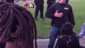 گفتوگوی پلیس آمریکا با معترضین
