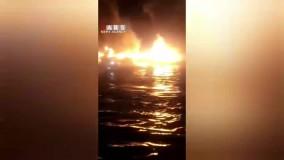 آتش سوزی مهیب شبانه ۴ لنج صیادی در بندر کنگ