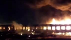 16 واگن مسافری زمین گیر در اسلامشهر طعمه حریق شد