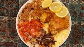 مرغ لایی با برنج زعفرانی