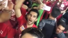 جشن و پایکوبیِ پرسپولیسیها در رختکن