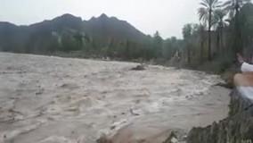 جاری شدن سیل در رودخانه سرباز