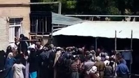 تجمع وصف مردم واسه برنج دولتی در مریوان ببینید مردم مریوان چگونه ب