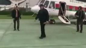 رئیسجمهور بلاروس با اسلحه و جلیقه ضدگلوله در خیابان!۲