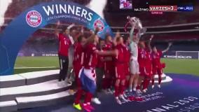 لحظه بالا بردن جام لیگ قهرمانان اروپا توسط نویر