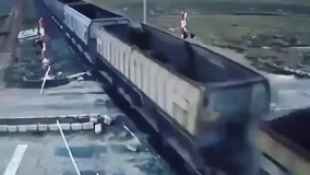 بی توجهی به لحظه عبور قطار و مرگ راننده