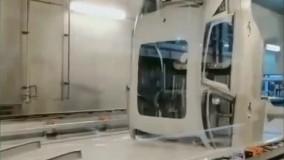 مرحله رنگ کردن خودرو در کارخانه خودروسازی