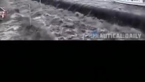 فیلمی از شروع سونامی در ساحل
