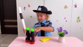 نیکا و بابایی ؛  نیکا پلیس و دزد شیرینی ها