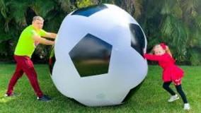 ناستیا و بابایی : بازی های خنده دار با اسباب بازی های بزرگ
