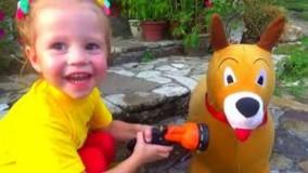 ناستیا و بازی با سگ اسباب بازی ؛  ماجراهای ناستیا و بابایی