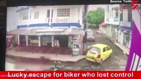 تصادف موتورسیکلت با خودرو