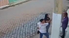 صحنه تیراندازی در خیابان به یک خانواده