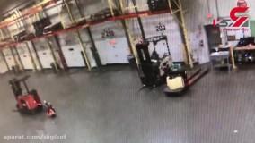 خودکشی عجیب کارگر مست در انبار فروشگاه