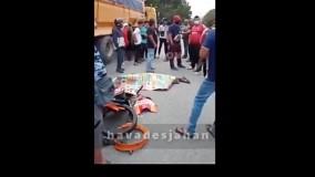 تصادف مرگبار موتور سوار با کامیون