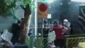 صف شبانه مردم برای خرید دلار در تهران
