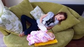 امیلی و آبجی - مراقبت از عروسک بزرگ دوست داشتنی