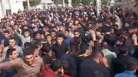 تشییع جنازه با اسلحه بدون حتی یک ماسک در خرمشهر