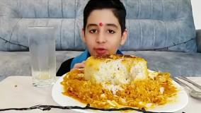 چالش خوردن مرغ کره ای هندی خیلی تند