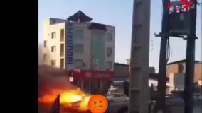 فیلم هولناک از حرکت پژو آتش گرفته در خیابان ساری