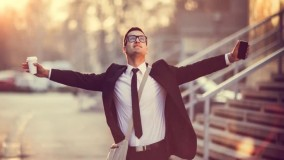 3- چه هدفی را در زندگی دنبال می کنید؟ آیا بدون داشتن هدف میشه به موفقیت رسید؟