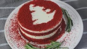 آموزش کیک پنیری خامه ای مخملی قرمز