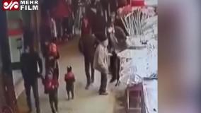 لحظه ورود سارقان مسلح به بازار سیرجان
