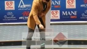 تصویر لحظه رای انداختن حاج صفی که نشان می دهد رای او هم علی کریمی نبوده