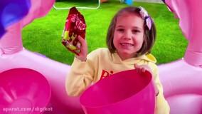 مکس و کتی ؛ ماشین بازی   پیدا کردن تخم مرغ شانسی های بزرگ