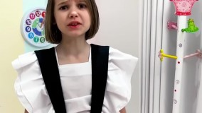 برنامه کودک جدید : کتی مکس را به قورباغه تبدیل کرد