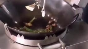 پخت غذا در آشپزخانه اتوماتیک