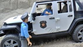 ماشین سنگین اسباب بازی : نجات ماشین پلیس در چاله