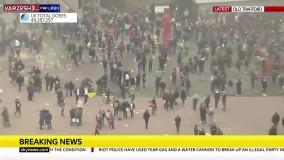 ورود هواداران خشمگین منچستریونایتد به داخل الدترافورد