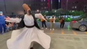 اجرای زنده خیابانی «روزبه نعمت الهی»  برای کادر درمان