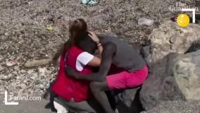 کمک دختر امدادگر به مهاجر سنگالی جنجالی شد