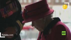 بازدید ملکه انگلیس از ناو هواپیمابر ملکه الیزابت