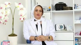 دکتر مریم ایزدی دندانپزشک زیبایی در جمع خبرنگاران  قرار گرفت