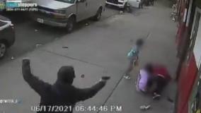 گرفتاری غمانگیز دو کودک بیگناه در صحنه تیراندازی تبهکاران