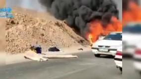 تصاویر وحشتناک از آتش گرفتن یک خودرو در اهواز بر اثر گرمای هوا