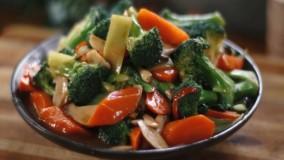 آموزش آشپزی بانوان _ طرز تهیه سالاد سبزیجات سرخ شده آسیایی