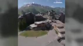 پرواز «مرد پرنده» بر فراز استراحتگاه کوهستانی فرانسه