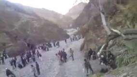 عبور افغانستانی ها از کوه برای ورود به ایران