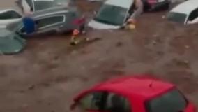خسارت سیل به خودروها در اسپانیا